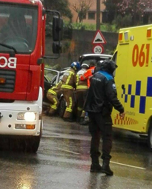 Bomberos y Policía Local en Santa Cristina/Fotografía: Sonia González Trigo