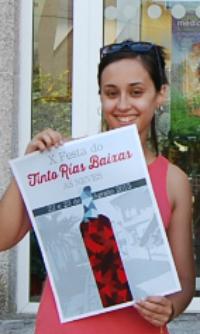 Sara Vila fue parte del jurado que eligió el cartel ganador de la última Festa do Viño de As Neves/Foto:vigoalminuto