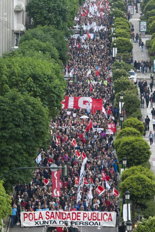 MIles de asistentes a la manifestación bajando la Gran Vía