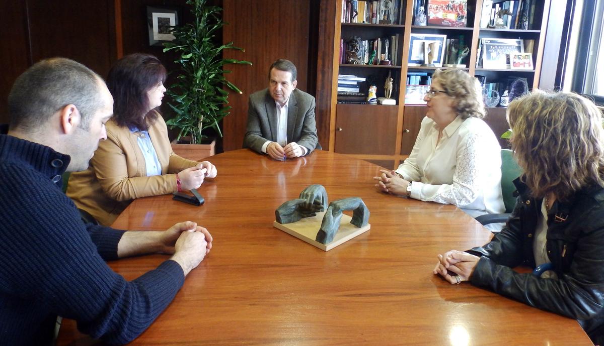 Más de 1,8 millones para 5.000 becas de comedor en Vigo - Vigo al minuto