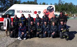 Voluntarios de Protección Civil de Mos tras una formación en Seganosa