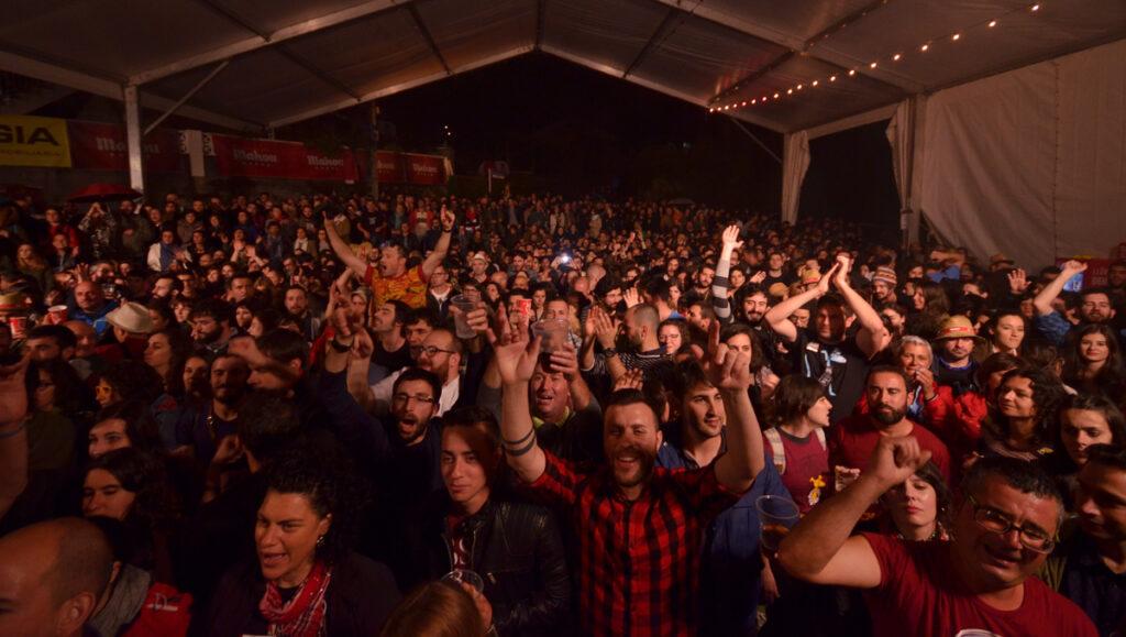 festival cans balance