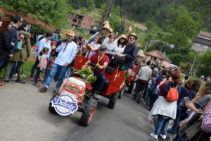 festival cans procesion chimpins