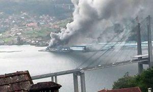 Imagen del incendio de ayer. Foto: Lourdes Parada