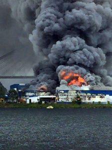 Imagen del incendio ayer. Foto: Lourdes Parada