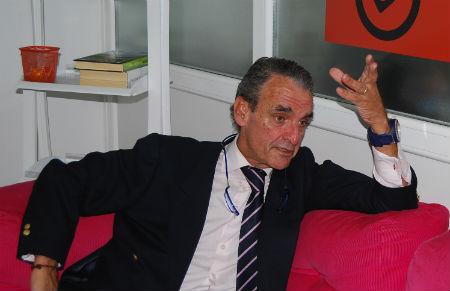 Mario Conde en una entrevista realizada en la redacción de vigoalminuto/ ARCHIVO