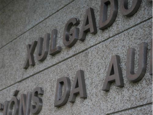 Evita la cárcel el administrador del colegio de Vigo que abusó de dos alumnas
