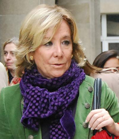 Esperanza Aguirre durante una visita a Vigo