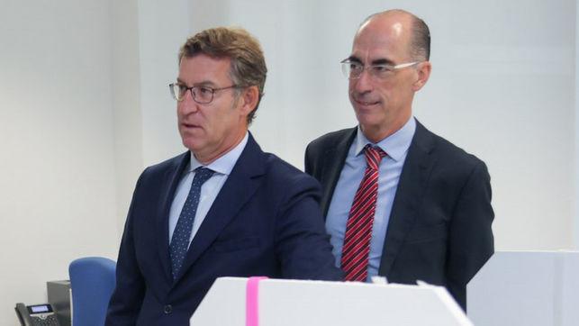 O presidente da Xunta e o conselleiro de Sanidade, Jesús Vázquez Almuiña