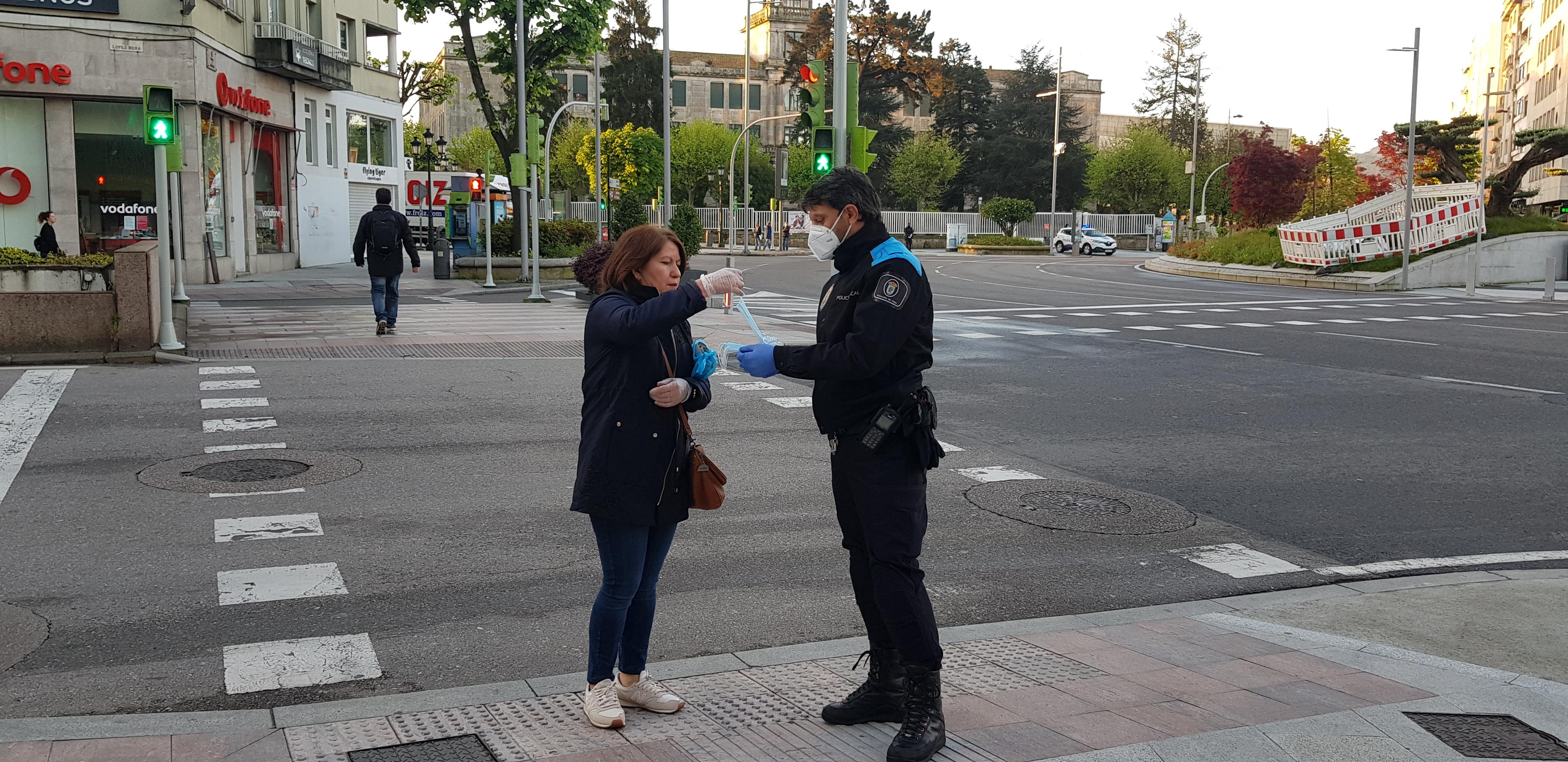 Policía Local de Vigo mascarilla/vigoalminuto.com