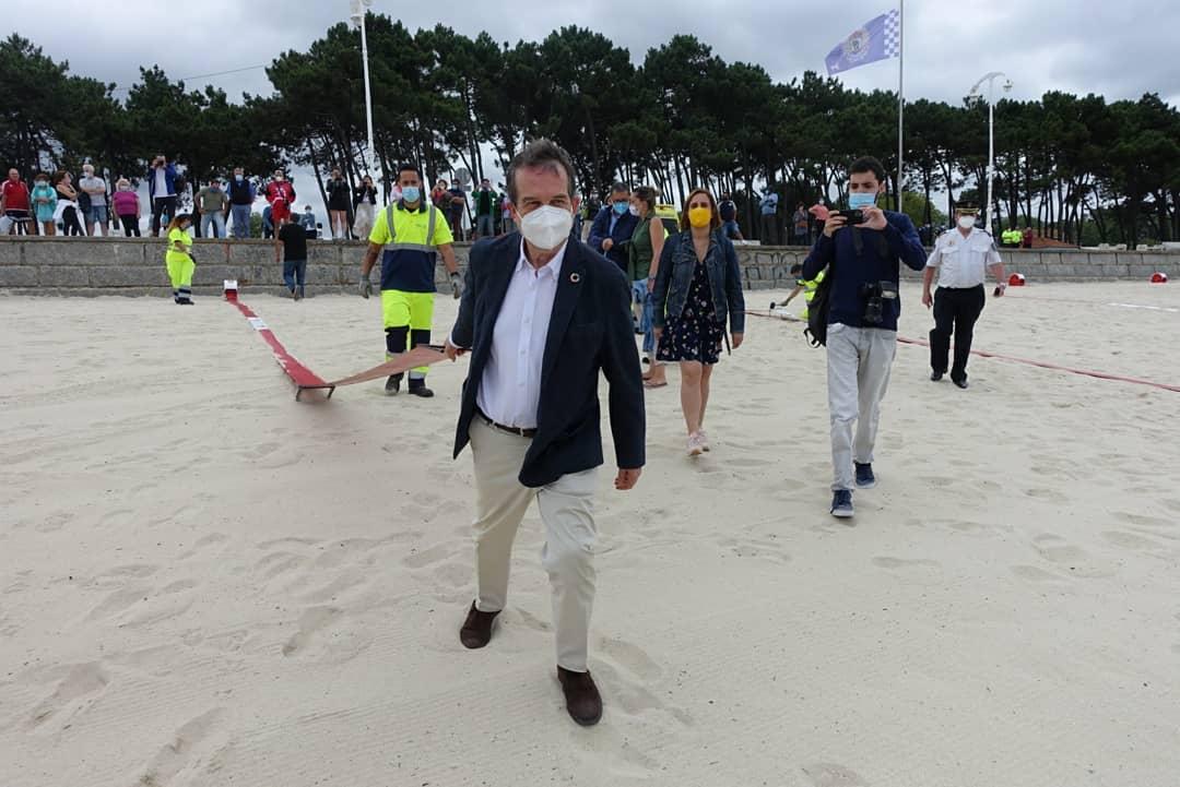 Abel Caballero este 21 de junio de 2020 en la Playa de Samil