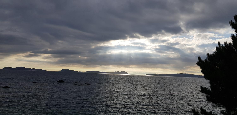 Islas Cíes con nubes vigoalminuto