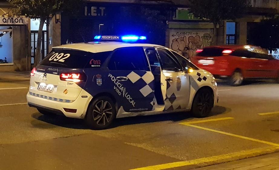 Detenido en Vigo acusado de sujetar por el pelo, arrastrar y pegar a una mujer