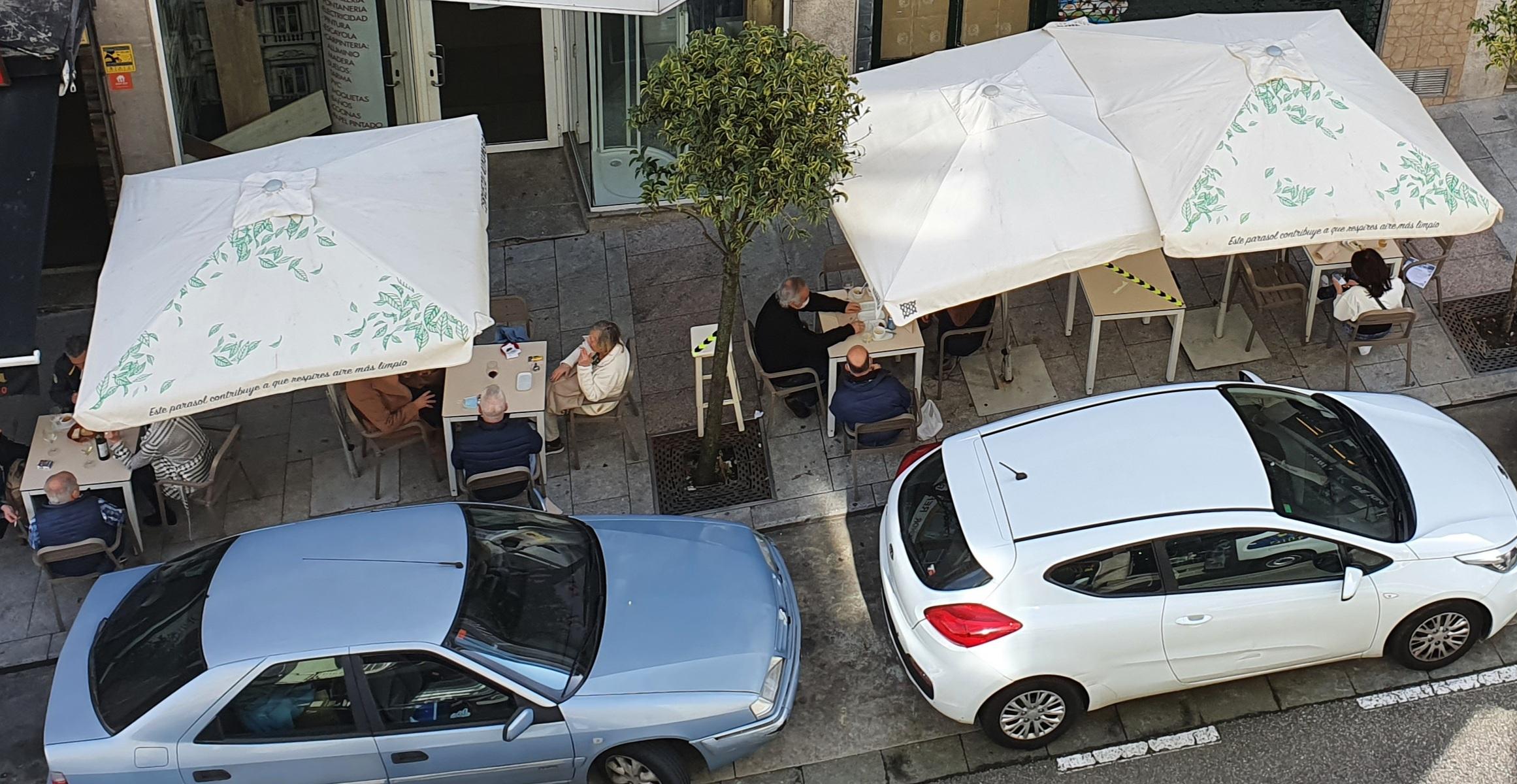 Terraza abrierta en Vigo al comienzo de la desescalada
