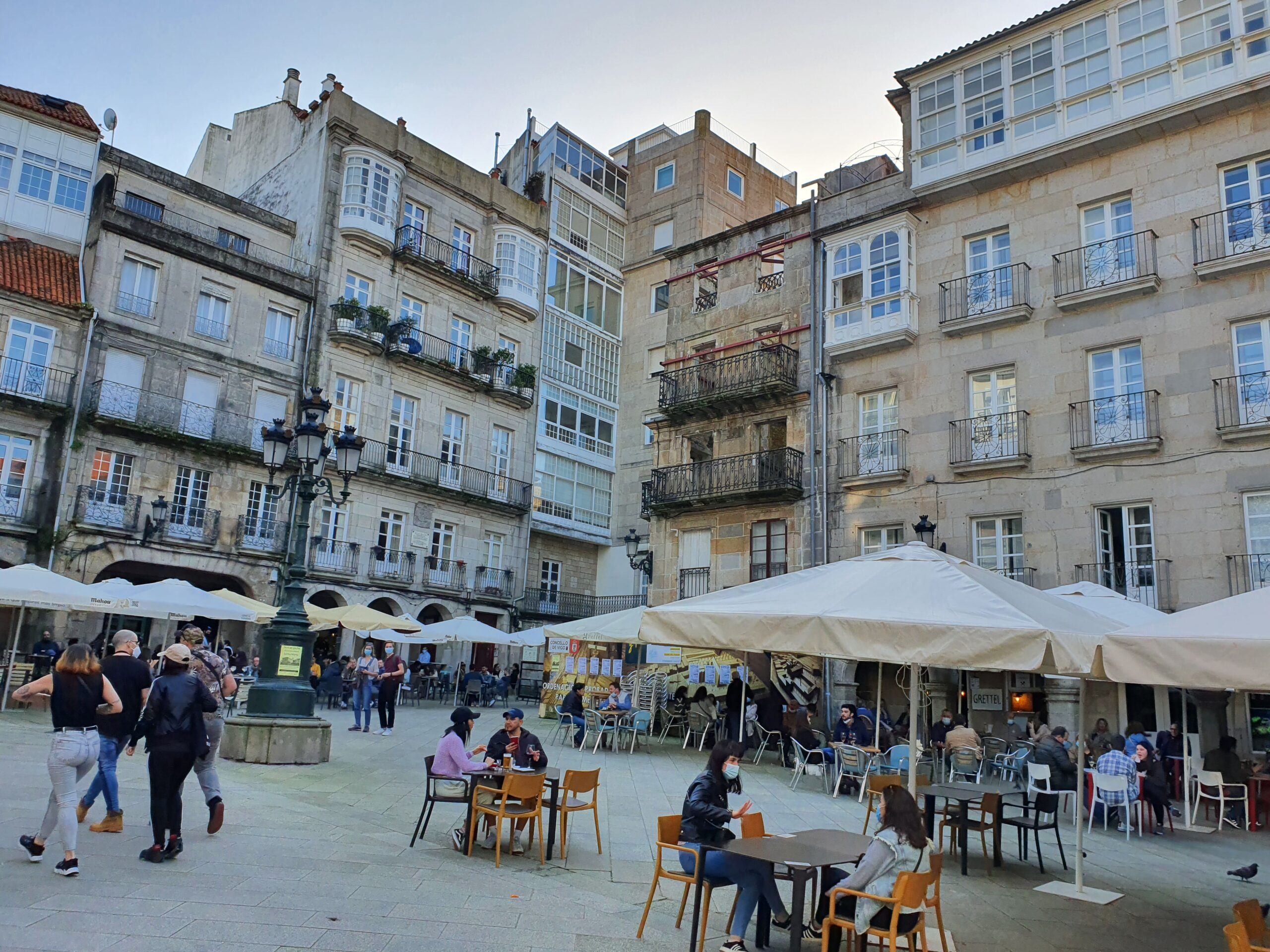 Bares y cafeterías de Galicia mantendrán sus restricciones
