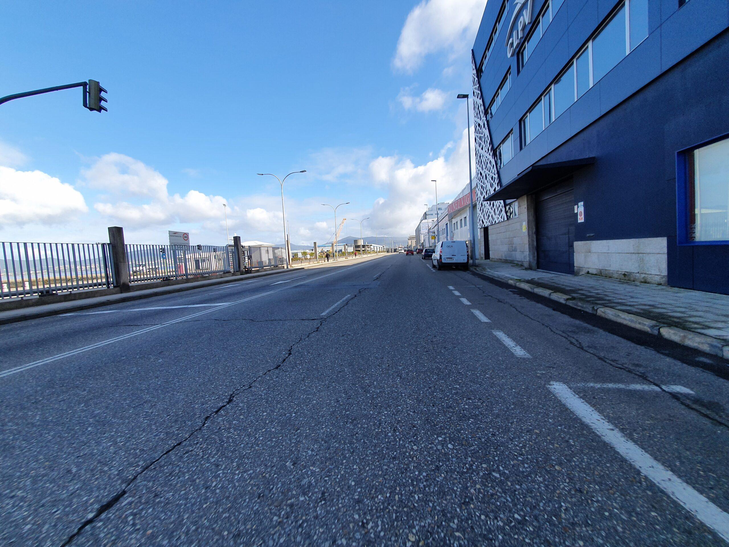 Uno de los carriles de Beiramar en Vigo cortado al tráfico