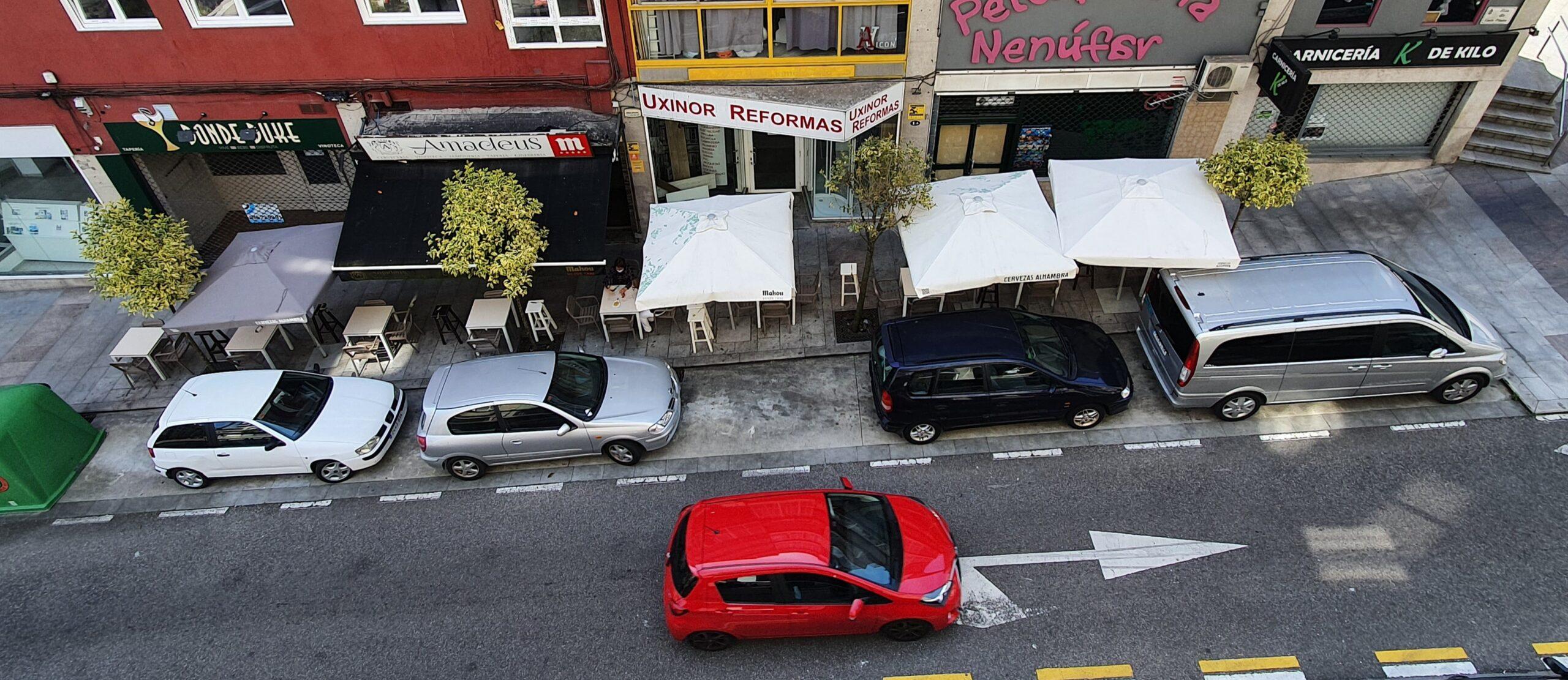Las terrazas de los bares de Vigo podrán ocupar también aparcamientos