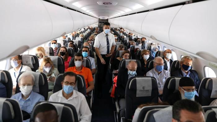 Desde este lunes España permite la entrada de viajeros vacunados