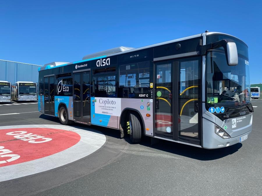 Salva la vida a un hombre con el desfibrilador de un autobús