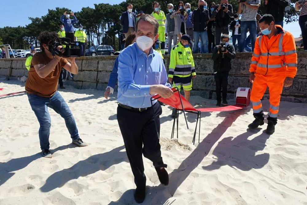Alcalde cintas en las playas