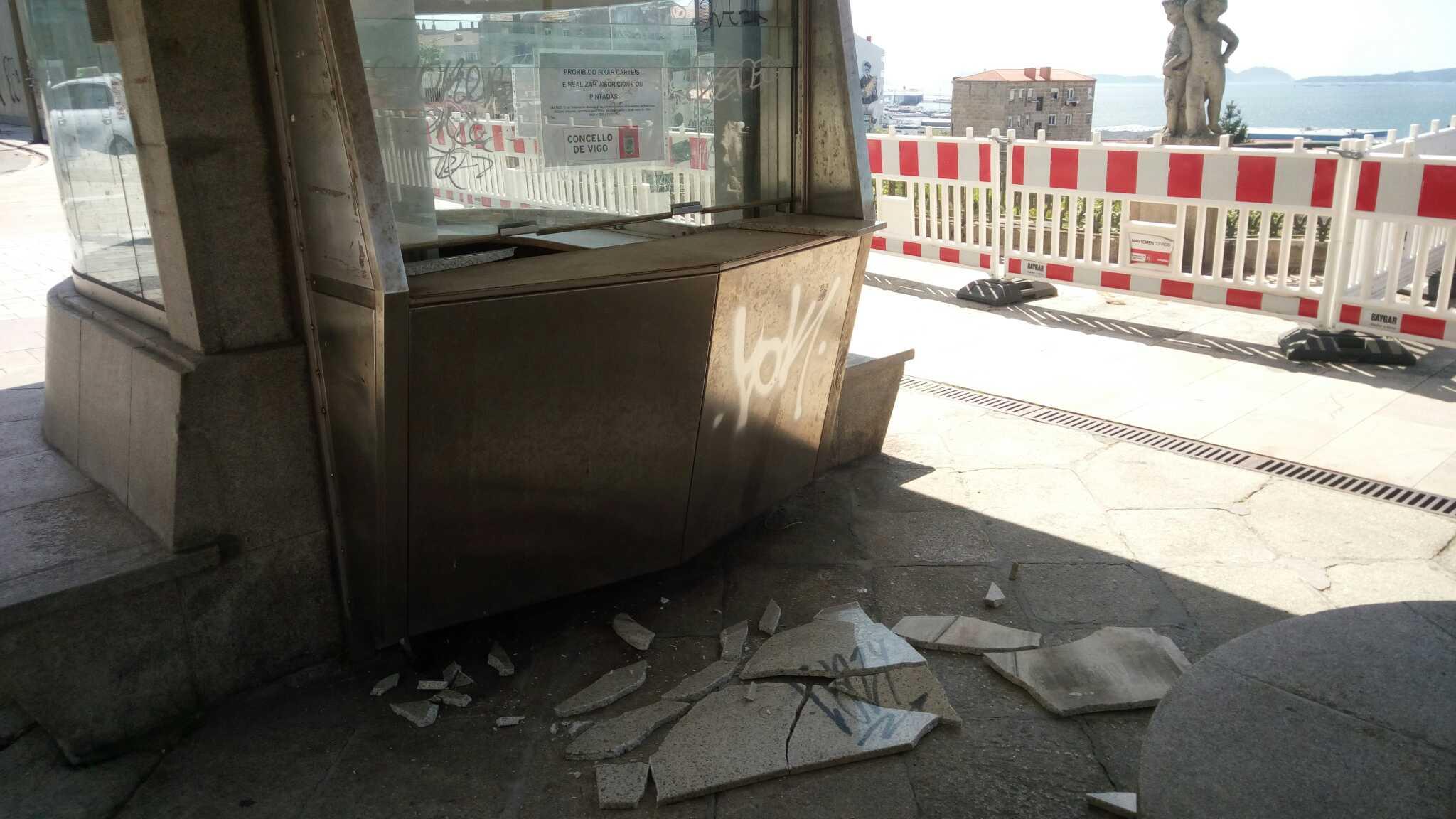 Detenido tras causar daños al antiguo kiosco del Paseo de Alfonso