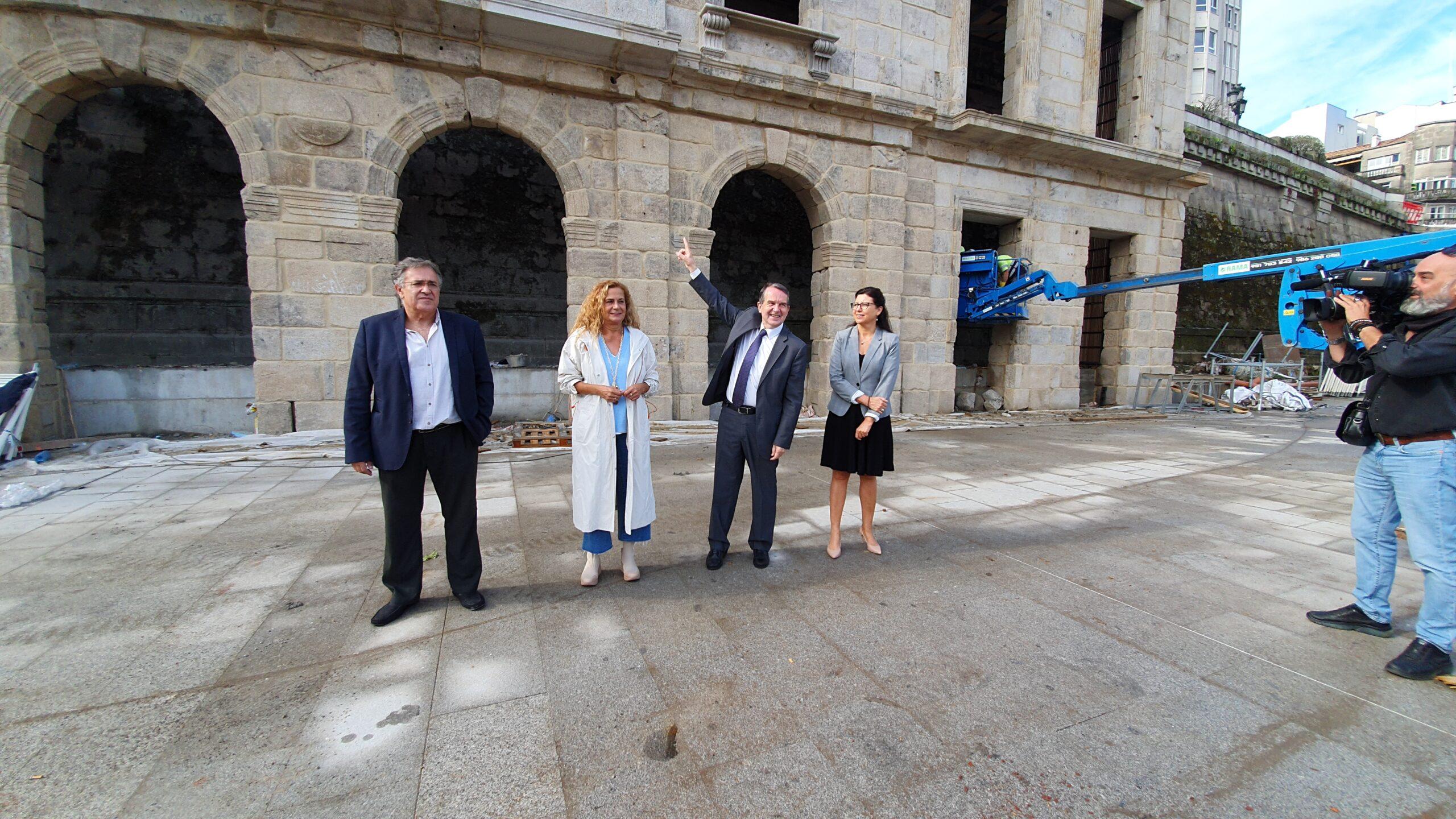 La fachada de la antigua estación de Vigo está de vuelta
