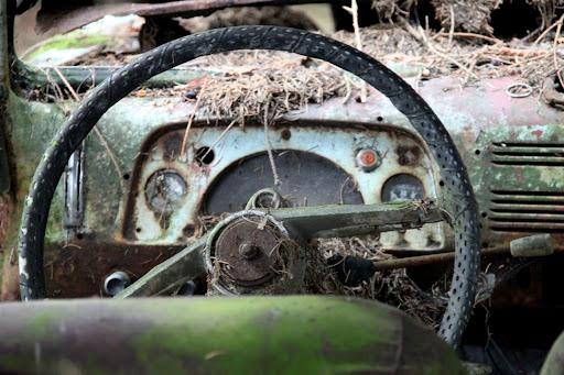 A Deputación recolleu no que vai deste ano 53 vehículos abandonados