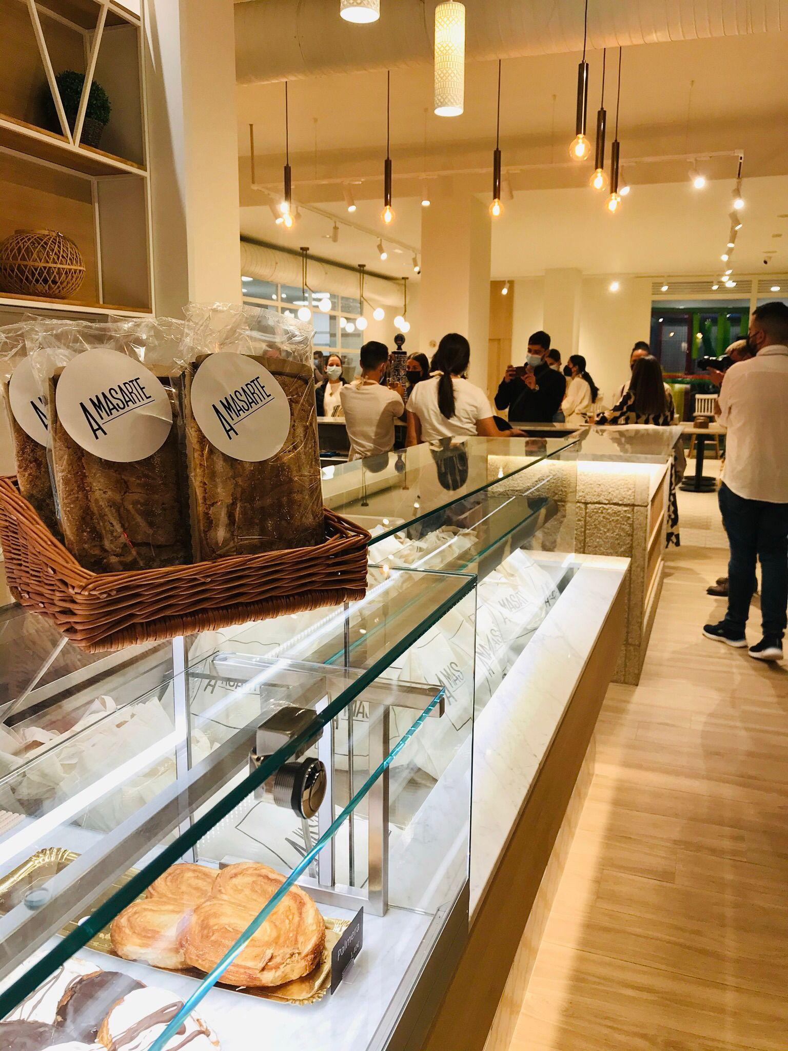 El Grupo 'MejorconPan' abre una nueva tienda 'Amasarte' en Galicia