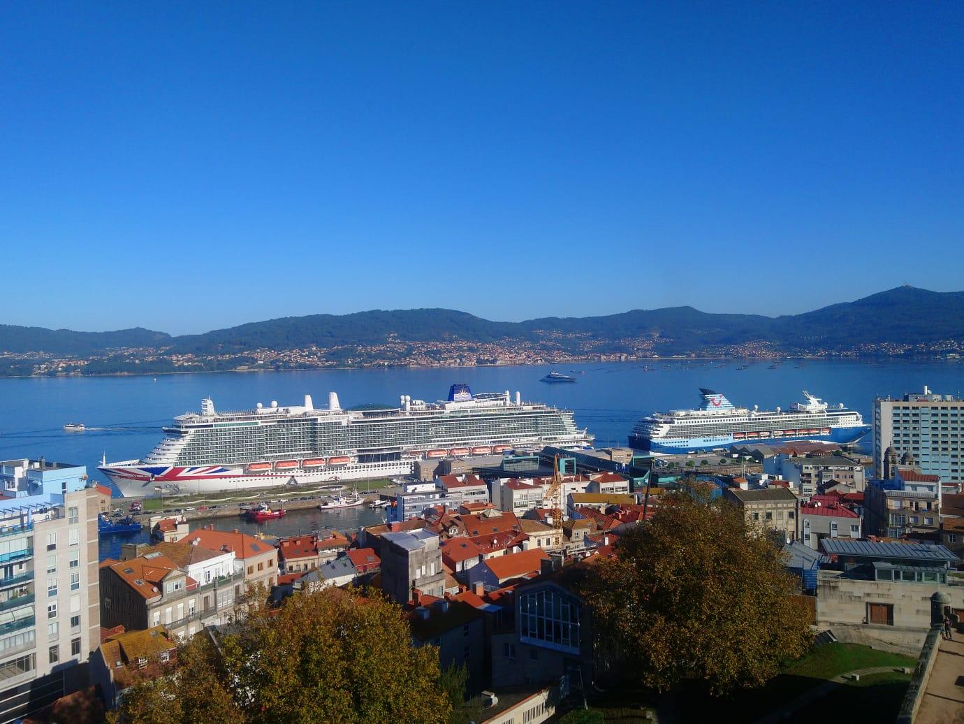 Más de 6.000 personas llegan a Vigo a bordo de dos cruceros