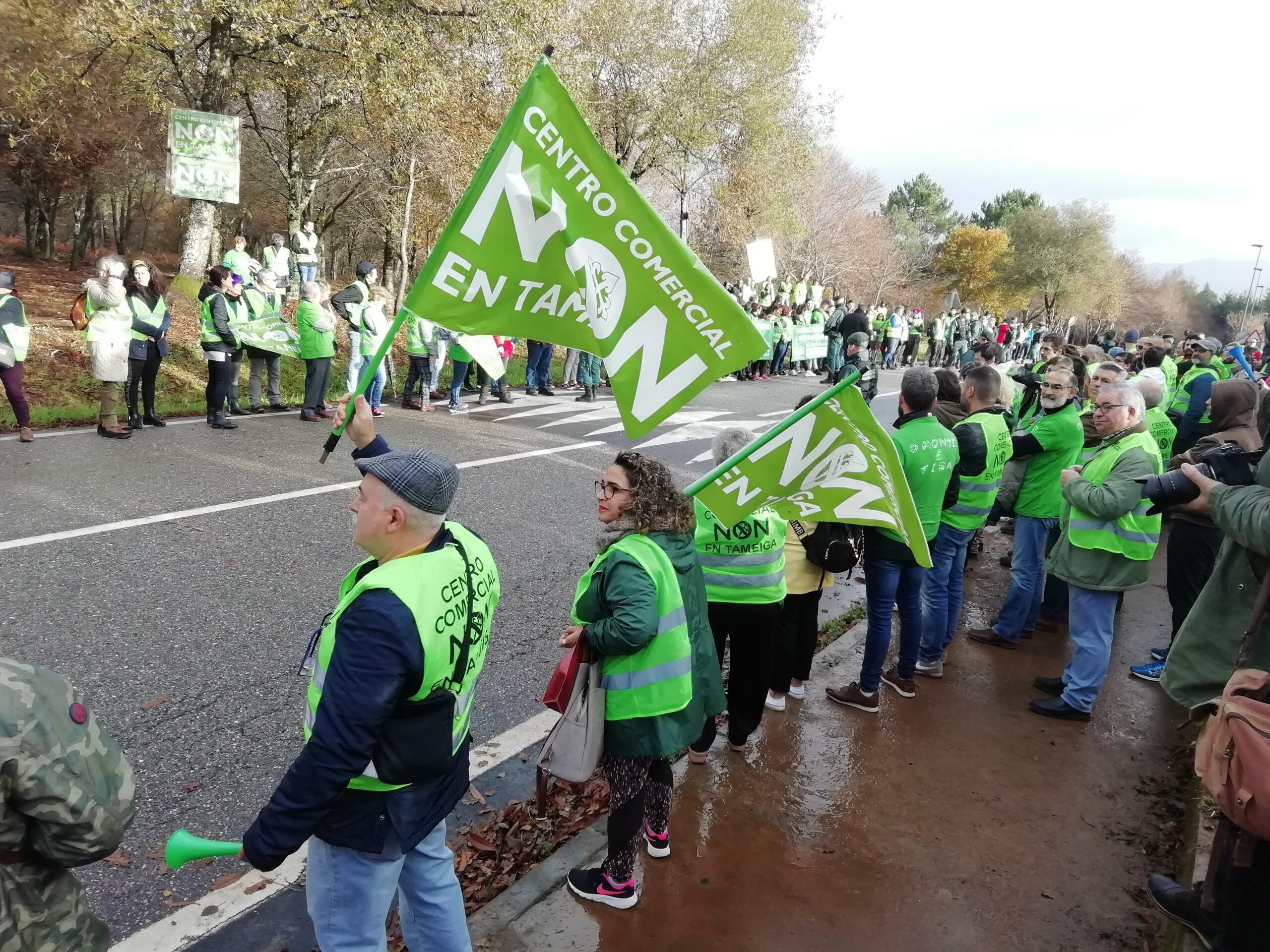 Mos recibirá 'La Vuelta' con pancartas verdes en defensa do monte e a auga