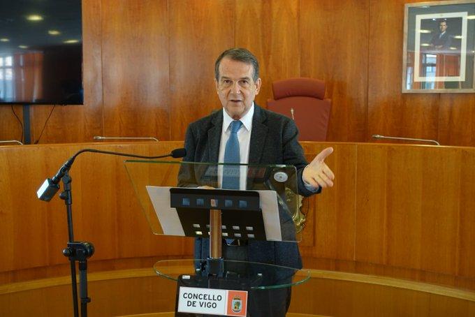 Caballero reprocha a Sanidade que no tomase las mismas medidas que Ayuso en Madrid