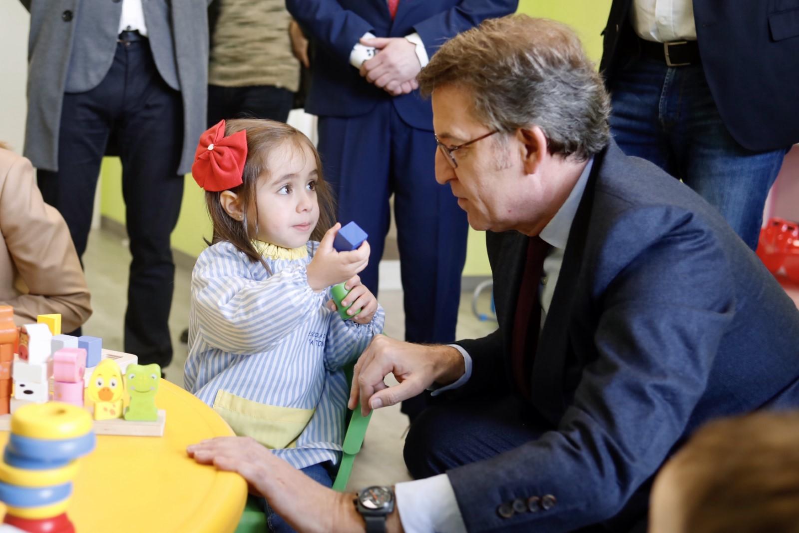 Feijóo anuncia que dende o curso 2022-23 todas as escolas infantís serán gratuitas en Galicia