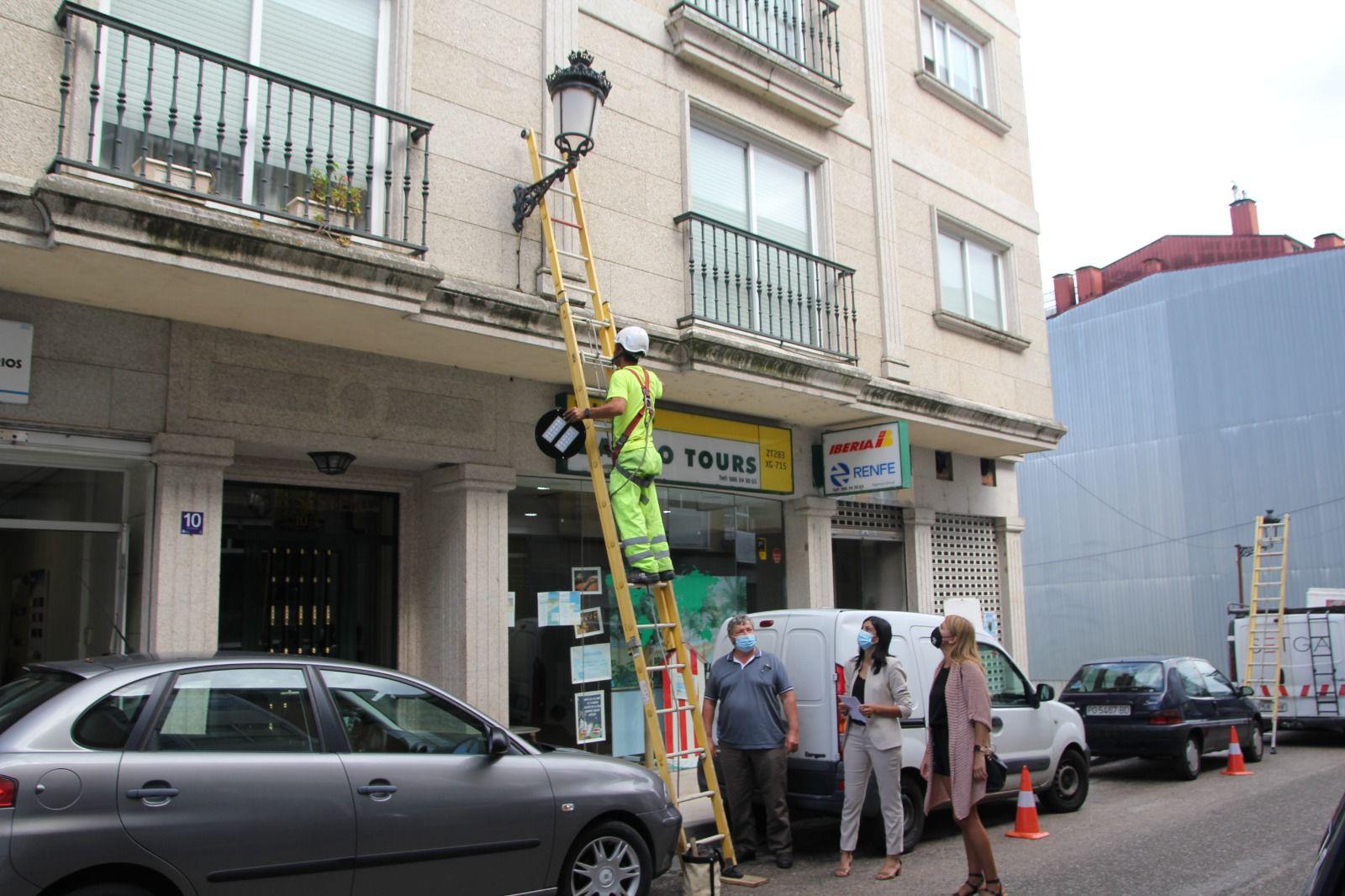 Salcede renova as luminarias da vila con LED de baixo consumo