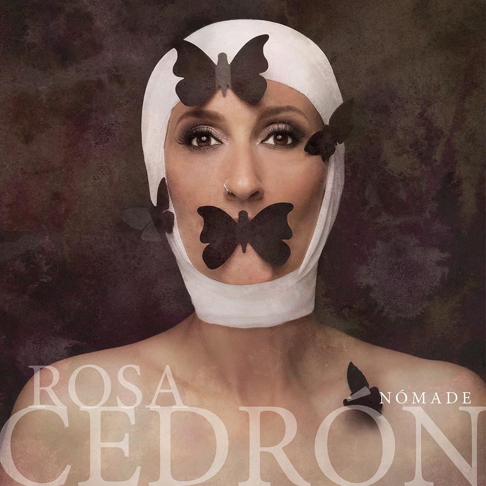 Rosa Cedrón, este sábado, en la tienda de Fnac en Vigo